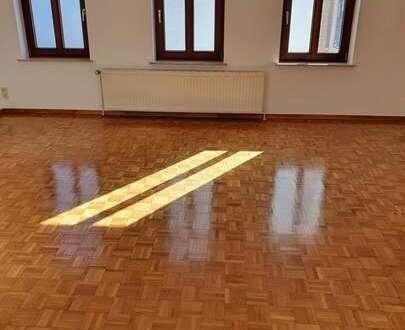 sehr gepflegt 3 Zimmerwohnung mit 2 Bädern auf 105m² sucht neue Mieter