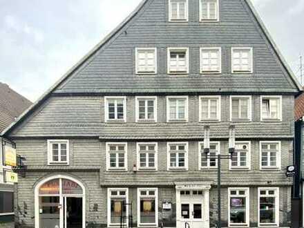 Zentrale Dachgeschosswohnung im historischen Fachwerkhaus