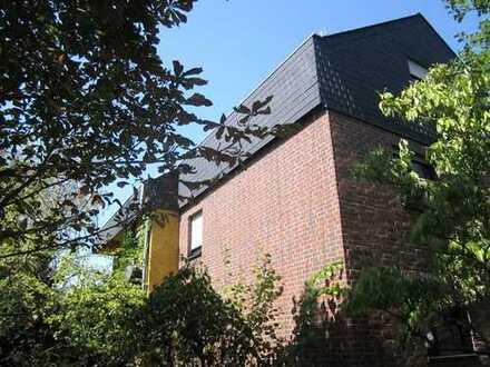 Freistehendes 1-2 Generationenhaus mit viel Potential in gesuchter Wohnlage von Offenbach-Waldheim!