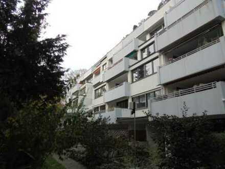 Barrierefreie 3 Zimmer-Penthousewohnung mit Lift, Balkonen, Schwimmbad u. TG-Platz in Uninnähe