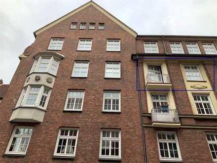 Ruhige 2 Zimmer WHG mit frz. Balkon und Wohnküche, ca. 46,00 m², zwischen Speicherstadt und Rathaus