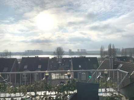 Über den Dächern von Hitdorf***Große 2,5 Zi.-Wohnung mit Dachterrasse und Rheinblick***AUFZUG!!