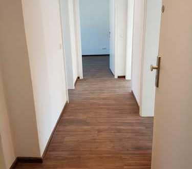 Reinkommen - Wohlfühlen - sanierte 3-Zimmer-Wohnung incl. begehbarem Kleiderschrank und Balkon