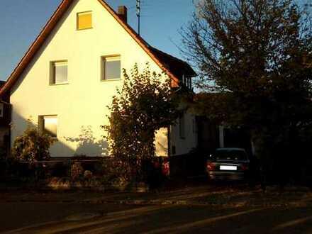 Gepflegtes Einfamilienhaus mit Garage, in ruhiger Wohnlage