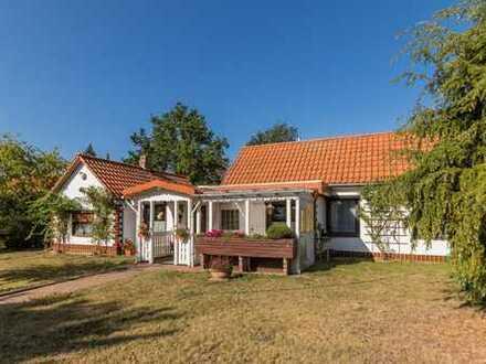 Kleines Einfamilienhaus mit Garage in ruhiger Dorflage