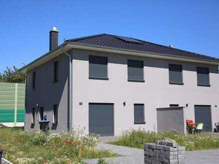 NEUWERTIG! Hochwertig ausgestattete Doppelhaushälfte in Vechelde