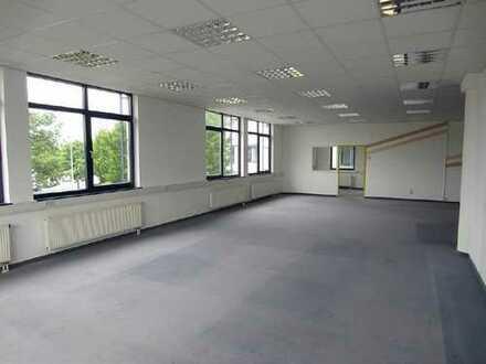 Zur Miete: Bürohaus mit ca. 1.167 m² Nutzfläche im Gewerbegebiet Sonnenstein