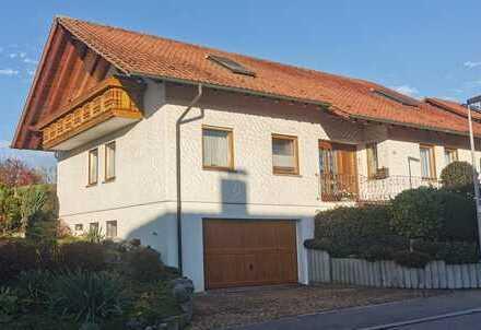 Großzügiges Wohnhaus im Landhausstil auf großem Grundstück in guter Wohnlage von Aulendorf