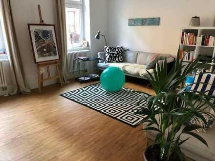 16 m² WG-Zimmer in einer top sanierten hellen 3-Zi Altbauwohnung