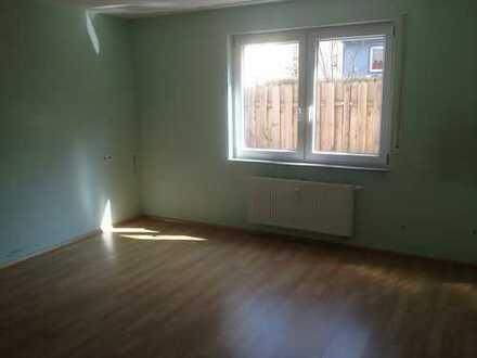 gehobene 4 Zimmer EG-Wohnung