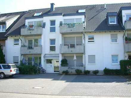 Attraktive 3-Zi.-Maisonette mit Balkon, Gartenmitbenutzung , Einbauküche! Stellplatz möglich!