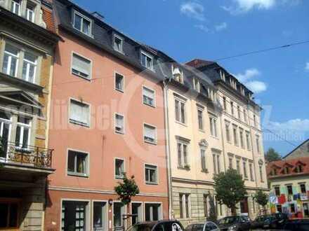 *Perfekte 2-Raum-Wohnung mit Parkett und kleiner Wohnküche* Ruhige Neustadtlage!