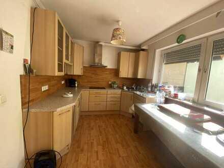 Vollständig renoviertes Reihenhaus mit vier Zimmern und Einbauküche in Landau
