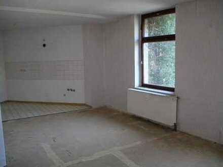 Handwerker aufgepasst! Selbst renovieren und Kaution sparen! - 2-Zimmer-Wohnung wartet auf SIE!
