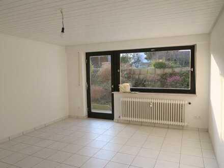 Leimersheim: Hübsche 2 Zi.-Wohnung im Halb-UG mit kleiner Terrasse