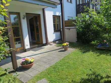 Exclusive 3-Zimmer-Gartenwohnung mit EBK (auf Wunsch teilmöbliert)