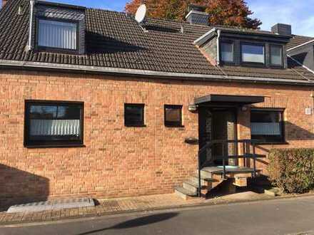 modernisierte Doppelhaushälfte in Köln-Vogelsang von privat zu vermieten
