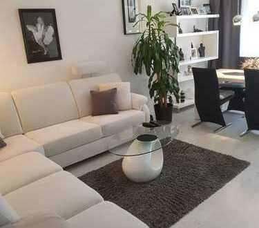 Stilvolle, gepflegte 2-Zimmer-Wohnung mit Balkon und EBK in Nippes, Köln