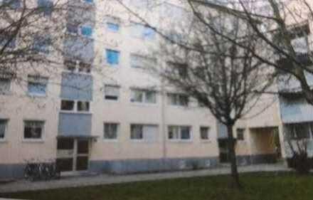 gepflegte 3-Zimmer-Wohnung mit Balkon und EBK in München Feldmoching-Hasenbergl, Nähe FIZ-BMW
