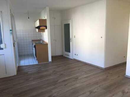 Sanierte 1,5-Zimmer-Wohnung mit Tageslichtbad