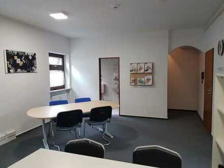Büro-/Praxisräume in Zentrumslage