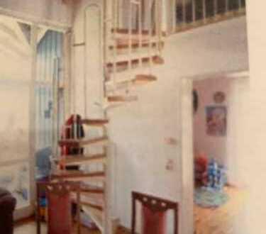 Vollständig renovierte 2-Zimmer-Maisonette-Wohnung mit Balkon und Einbauküche in Waldshut-Tiengen