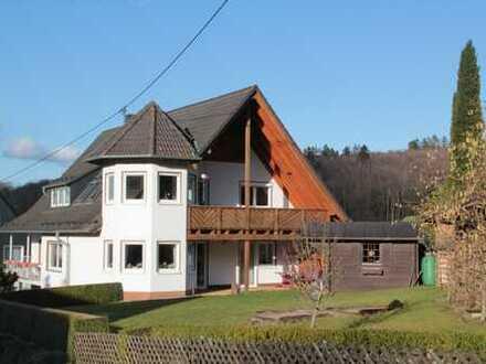 Modernisierte 5-Zimmer-Dachgeschosswohnung mit Balkon in Wilnsdorf-Wilgersdorf