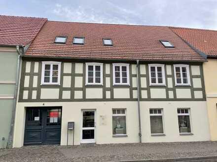 2-Raum-Dachgeschosswohnung im Stadtzentrum