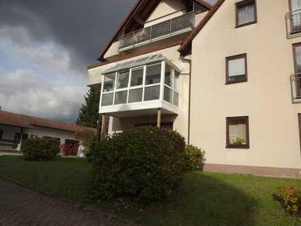 Schöne 4-Zimmer-Eigentumswohnung mit großem Balkon in Rödental-Zentrum