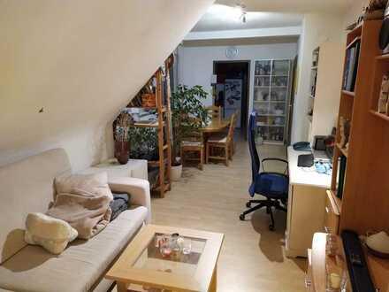 Schöne 2 Zimmer-Dachgeschosswohnung *Wohnberechtigungsschein erforderlich*