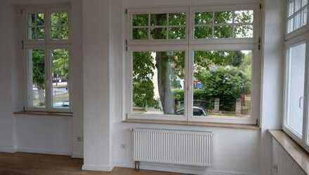 Schöne, geräumige zwei Zimmer Wohnung mit eigener Treppe in den Hof-Garten in Strausberg