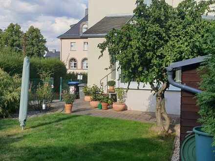 Neuwertige 4-Zimmer-Doppelhaushälfte mit Einbauküche in Siegmar, Chemnitz