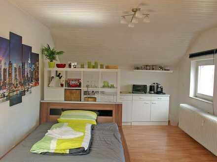 POCHERT IMMOBILIEN - Sehr schönes, großes 1-Zimmer-Apartment Nähe Universität