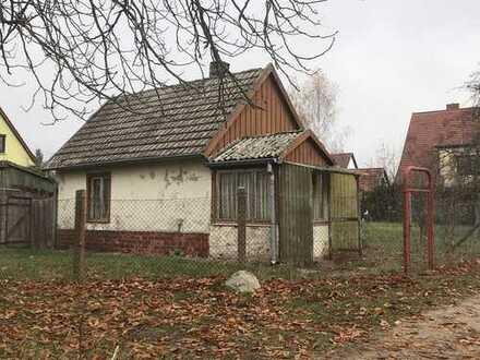 Kleinhaus auf großzügigem Baugrundstück in ruhiger Stadtlage von Lychen ( UM )