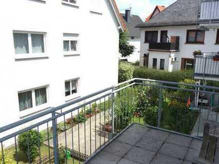 Helle 3 Zimmer-Wohnung mit Einbauküche, G-WC, 2 Balkone & Tiefgaragenstellplatz in F-Schwanheim!