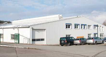 Industriehalle-mit Photovoltaik 156kwp und Trafostation an der A9