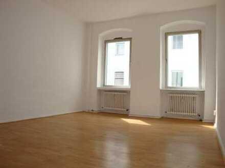 Am Lutherplatz - Laminatfußboden - Ideale Singlewohnung - ca. 47 m² - 525 € warm