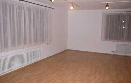 Großzügige, helle 1-Zimmerwohung mit EBK in zentraler Lage von Leonberg