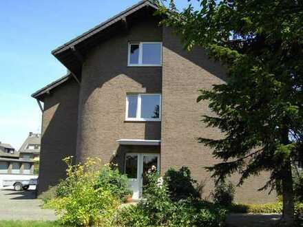 Schöne, helle Dachgeschosswohnung mit neuem Bad in Oidtweiler