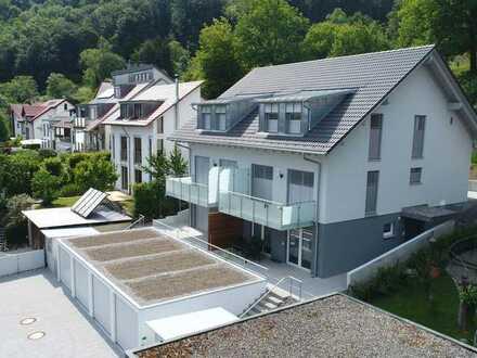 Schönes, neues, sonniges und helles Haus mit 4-Zimmer-Neubauwohnung,