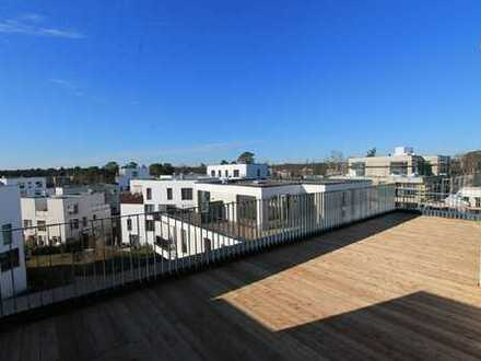 FÜNF MORGEN: Traumwohnung: Großzügige 2-Zimmer-Loftwohnung mit sonniger Dachterrasse