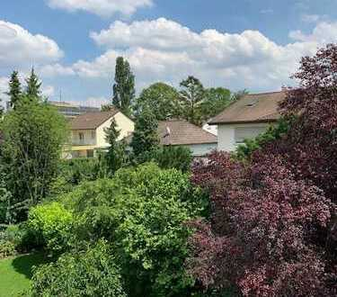 Schwarzwaldviertel! Exklusive 2,5 Zimmerwohnung mit großer Terrasse!