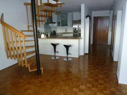 Helle 4-Zimmer Maisonette Dachgeschosswohnung mit Einbauküche und Burgblick -provisionsfrei-