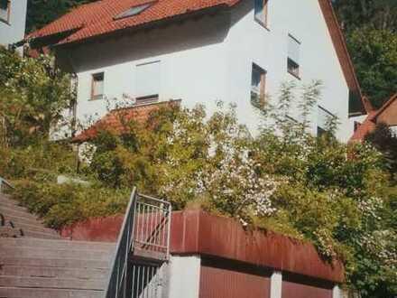 Gepflegtes Einfamilienhaus mit fünf Zimmern und Einbauküche in Calw, Calw