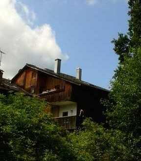 Eigenwillig gestaltete Maisonettewohnung im Werdenfelser Land