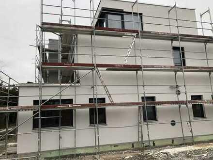 Einzug im Frühjahr 2019: 4-Zimmer-Neubauwohnung mit großer Dachterrasse