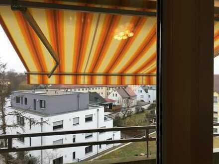Komplett möblierte 2-Zimmer-Wohnung mit 2 Balkonen und mit Einbauküche