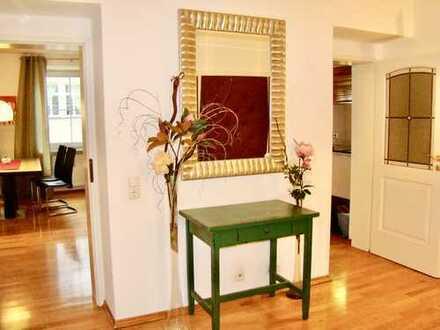 Schöne, geräumige, voll ausgestattete drei Zimmer Wohnung in München, Altstadt