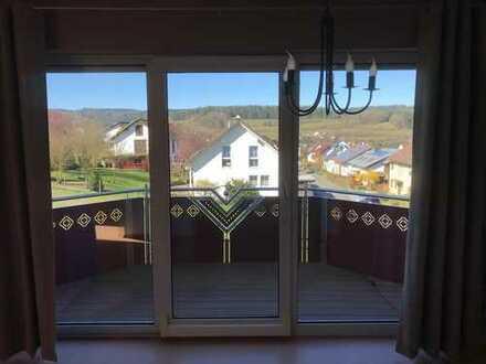 Gepflegte 3-Raum-Dachgeschosswohnung mit Balkon und Einbauküche in Bad Soden-Salmünster Mernes