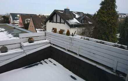 Stilvolle, modernisierte 3-Zimmer-Dachgeschosswohnung mit Balkon und EBK in Bad Camberg